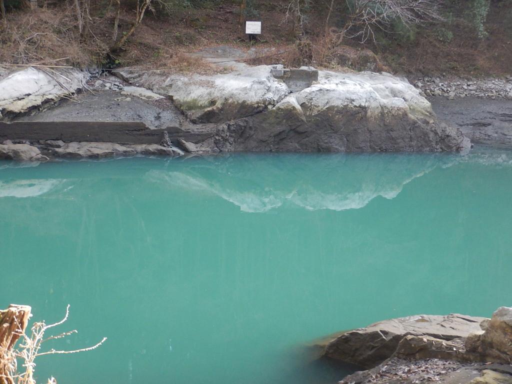 白丸湖の水がなくなります(1/10更新)