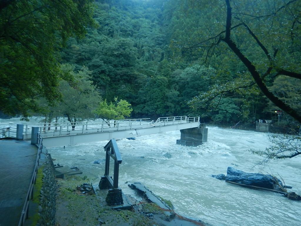 台風19号による多摩川御岳の増水情報