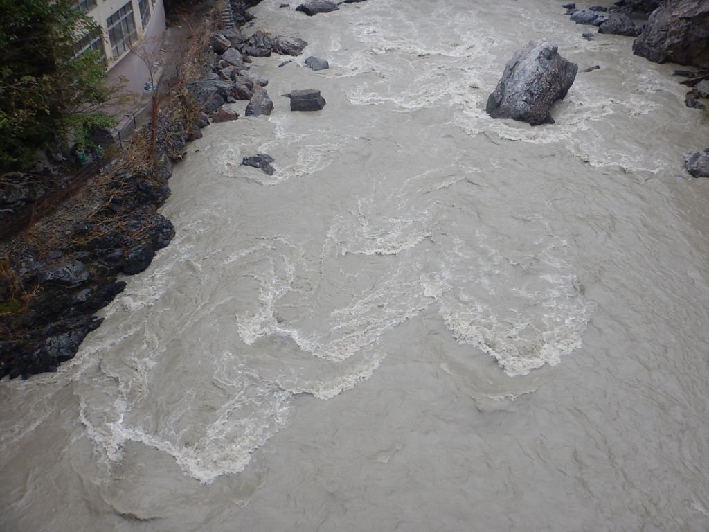 台風19号後の多摩川調布橋水位計表示値の変化について